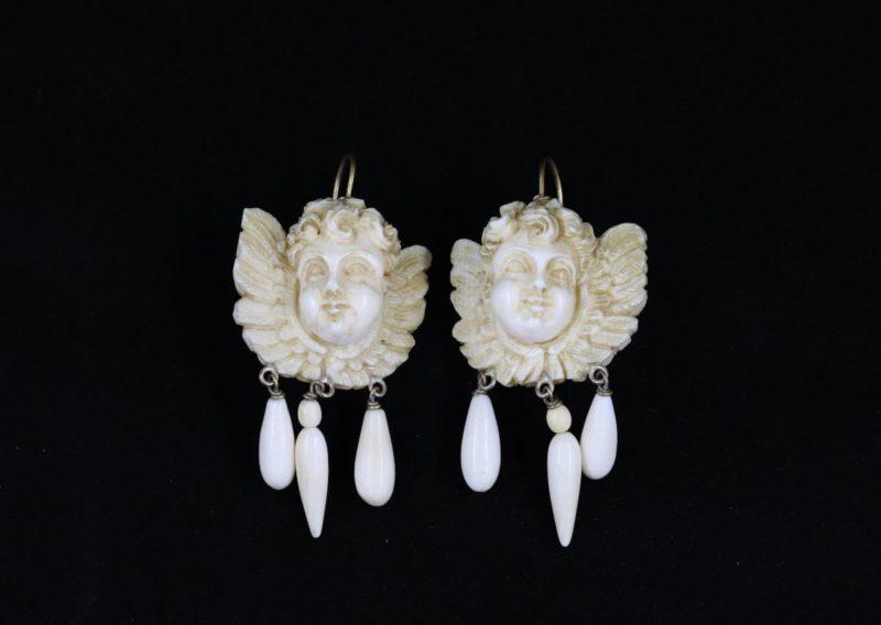 Boucles d'oreilles puttis XIXe s.