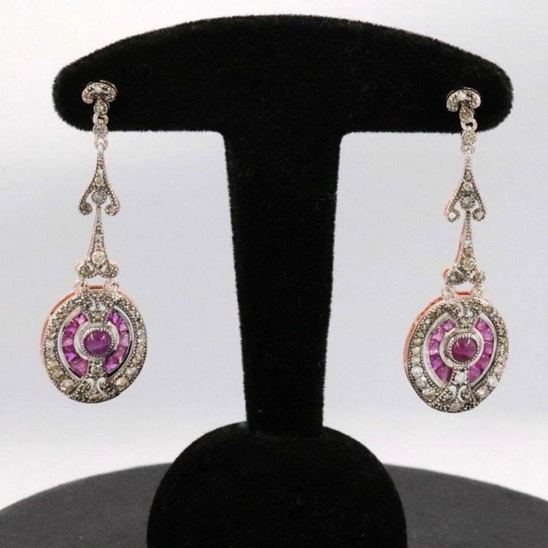 Boucles d'oreilles pendantes rubis et diamants style 1920