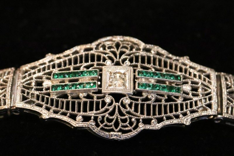 Motif central bracelet 1925 diamants émeraudes