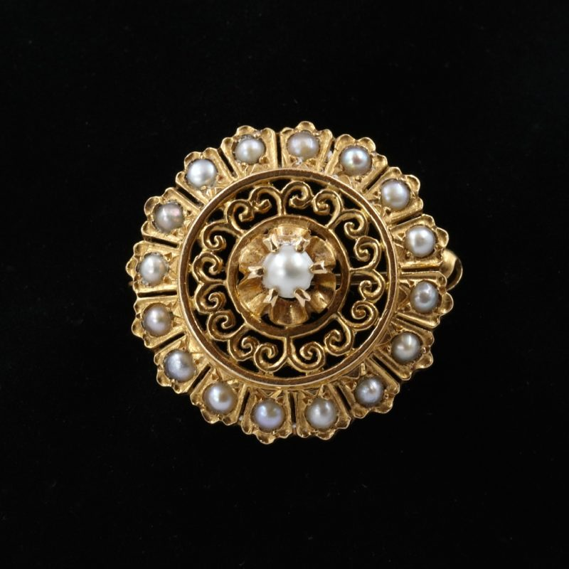 Broche ronde or et perles fines