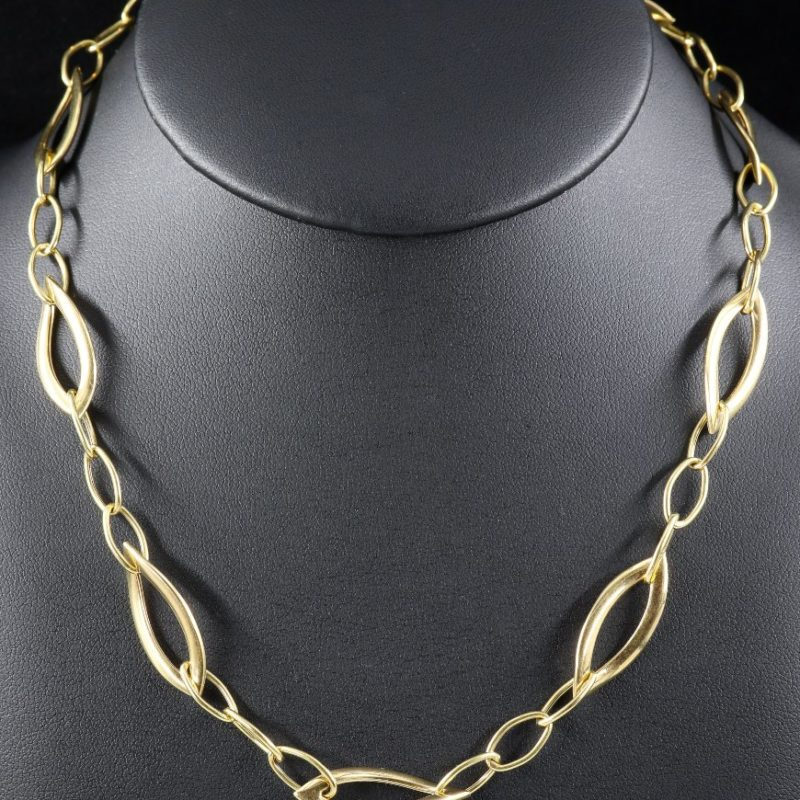 Collier or mailles navettes