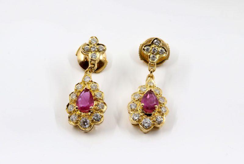 Boucles d'oreilles or rubis et diamants