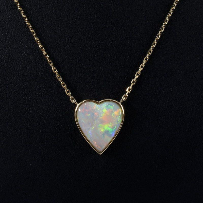 Pendentif coeur opale monture or