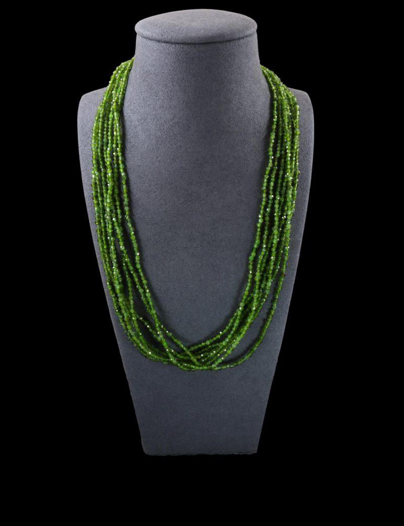 Collier perles de tsavorites