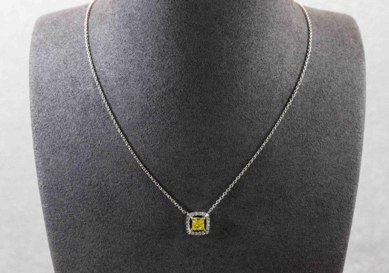 Collier diamant jaune
